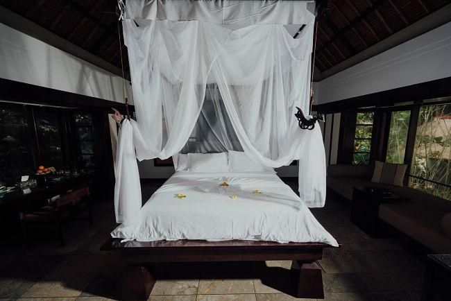 Baldachýn nad posteľ