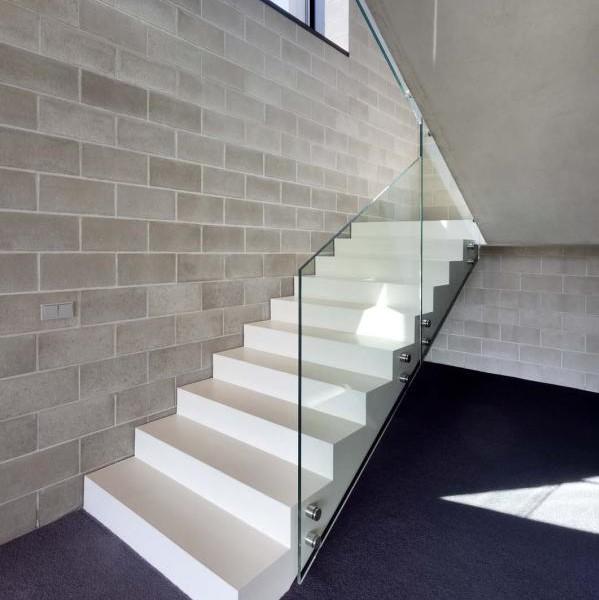 Jednoduché schodisko