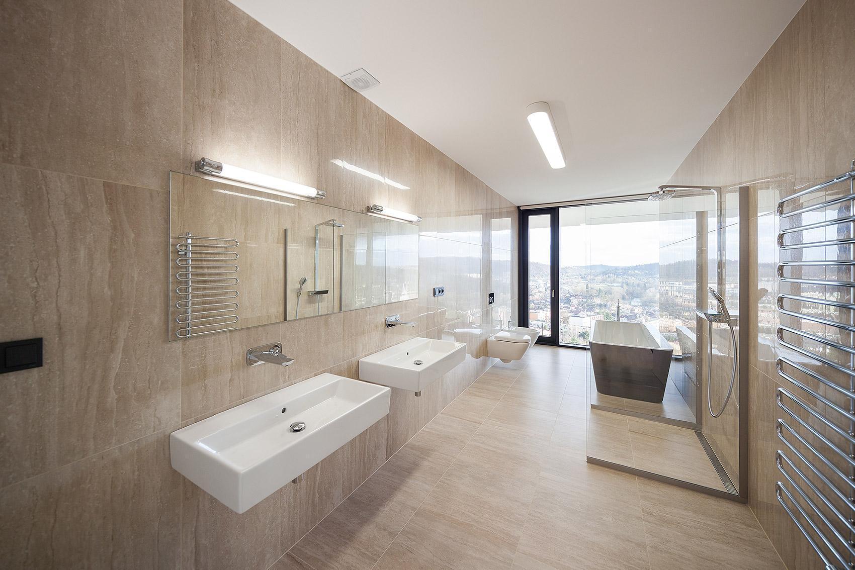 Velká koupelna - Vila s výhledem
