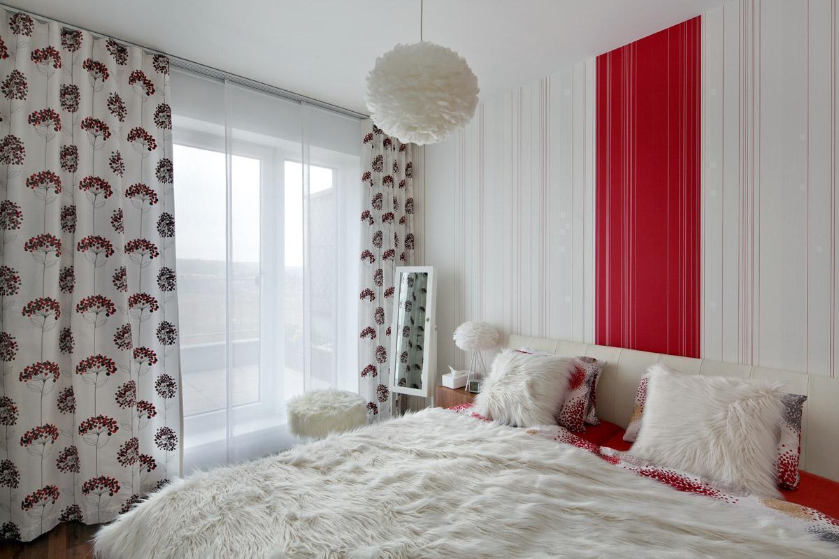 Červeno-bílá ložnice