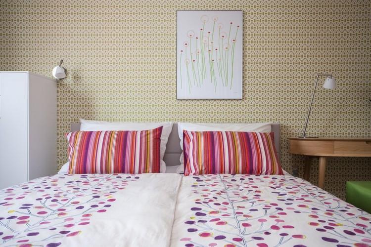 Spálňa v jasných farbách