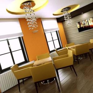 Kokteil bar v spojení žltej a oranžovej