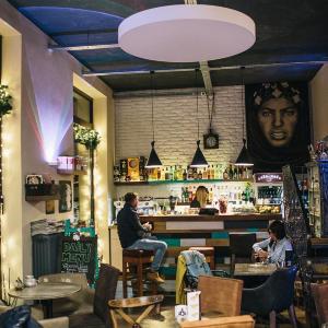 Kaviareň Café-Café