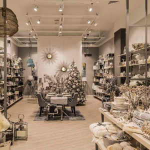 200 m2 dobrého dizajnu vo varšavskej Arkadii - Westwing Home & Living začína s kamenným predajom