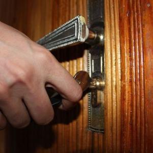 Starajte sa o zámok vo dverách alebo Aby ste nezostali stáť pred zamknutými dvermi