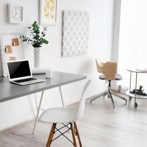 Pracujete z domu? Vďaka týmto 5 tipom si zariadite domácu pracovňu, v ktorej bude radosť pracovať
