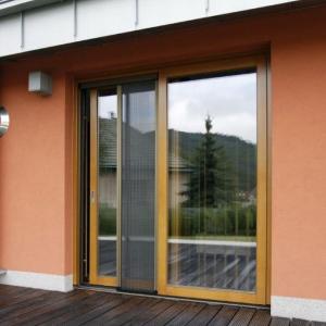 Makrowin už dvojsklá nepoužíva, na úrovni doby je trojsklo! Tepelno-technickú kvalitu okna ovplyvňujú jeho súčasti