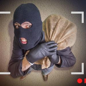 Ako počas dovolenky ochrániť svoj dom či byt pred zlodejmi? Pomôže vám týchto 10+ rád