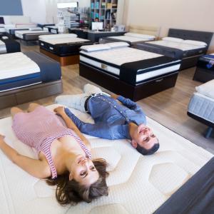 Ako si vybrať ten správny matrac? Pomôžu vám tieto 4 tipy