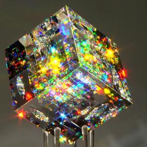 Optické sklenené modely od sklárskeho umelca Jacka Stromsa