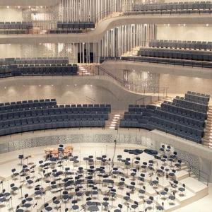 Interiér Elbphilharmonie v Hamburgu z pre nás netradičného pohľadu