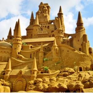 100 najkrajších sôch z piesku